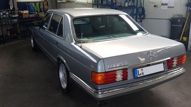Mercedes 500 SL Heck
